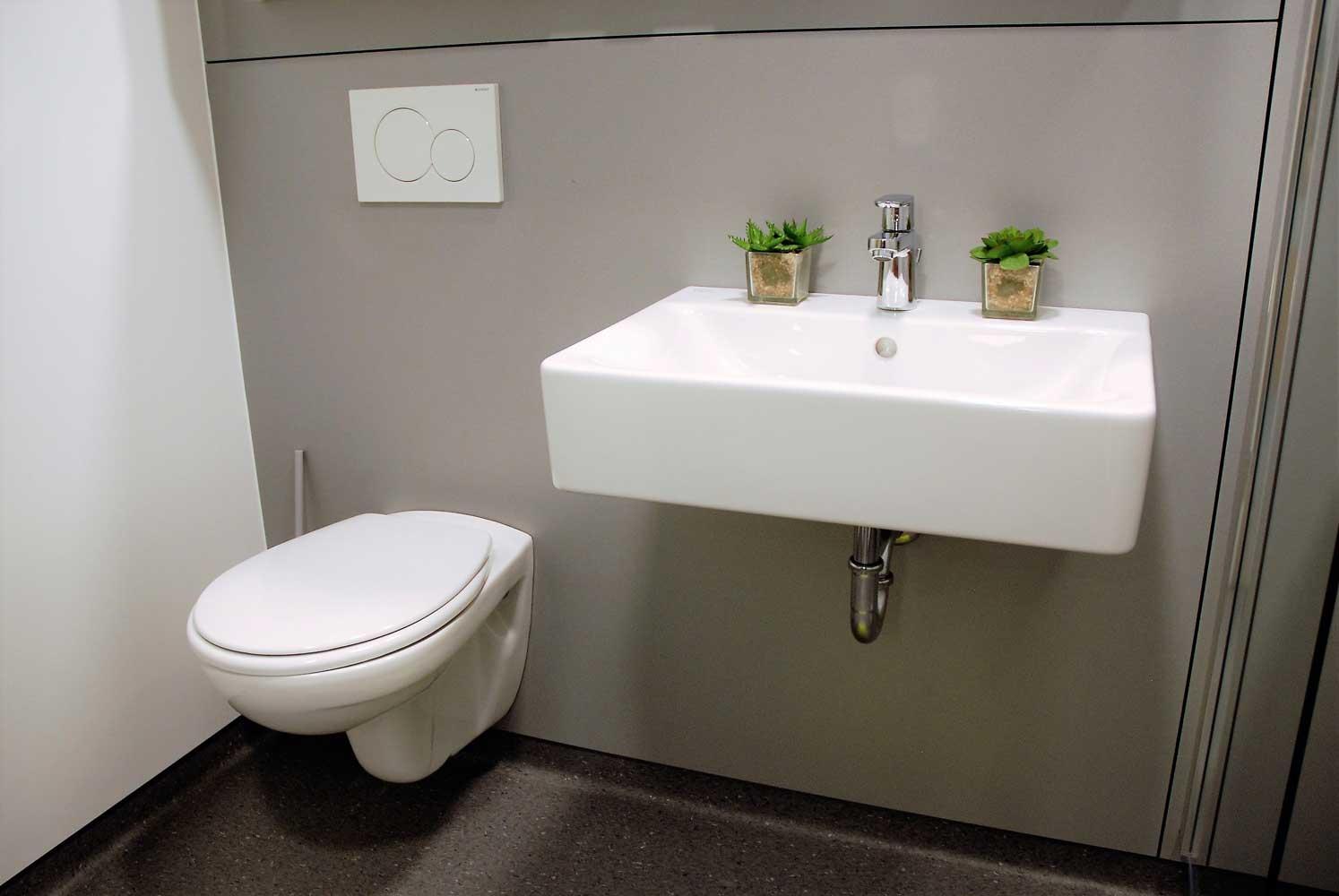 Toilet and sink - Johannes Kepler Heim
